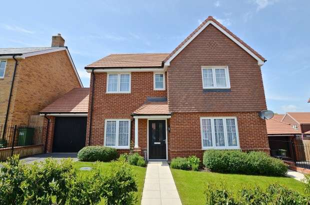 4 Bedrooms Detached House for sale in Townsend Road, Stone Cross, Pevensey, BN24