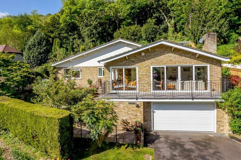4 Bedrooms Detached Bungalow for sale in Reading Road, Streatley, Reading, RG8