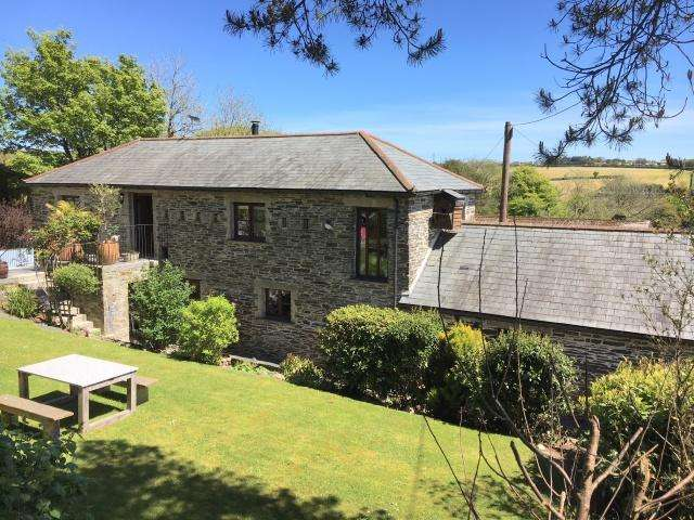 4 Bedrooms Detached House for sale in Trewen, Lanteglos