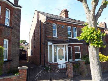 House for sale in Clifton Road, Dunstable, Bedfordshire, England