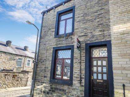 3 Bedrooms End Of Terrace House for sale in Clifford Street, Colne, Lancashire, ., BB8