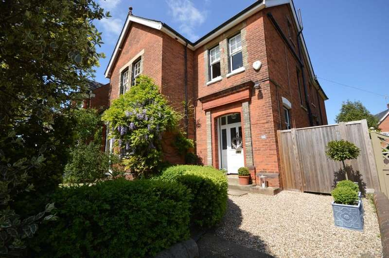 6 Bedrooms Detached House for sale in Maldon Road, Colchester