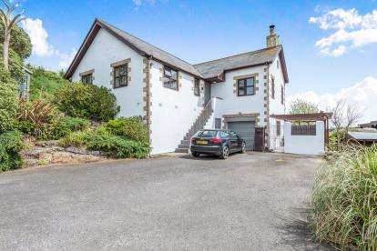 3 Bedrooms Detached House for sale in St Leven, Penzance, Cornwall