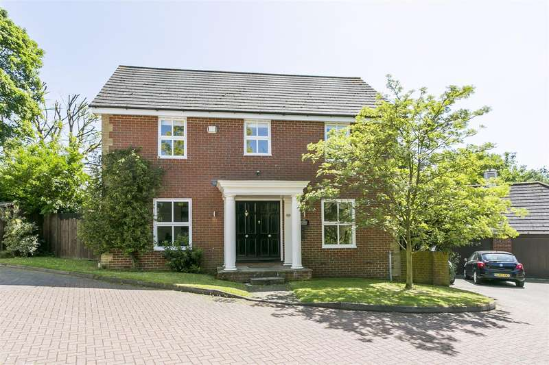 5 Bedrooms Detached House for sale in Lunsford Lane, Larkfield, Aylesford