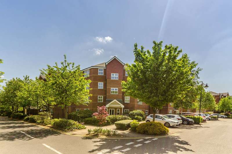 2 Bedrooms Flat for sale in Massingberd Way, Tooting, SW17