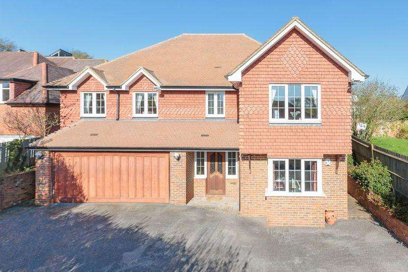 5 Bedrooms Detached House for sale in Albertine Close, Epsom