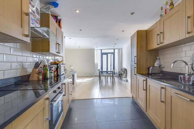 4 Bedrooms House for sale in Clemence Street, London
