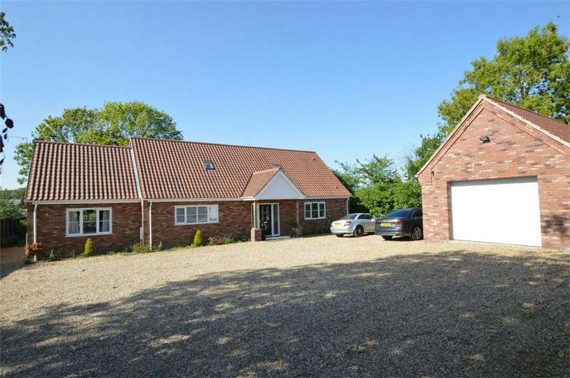 4 Bedrooms Chalet House for sale in Mill Street, Horsham St Faith, Norwich, Norfolk