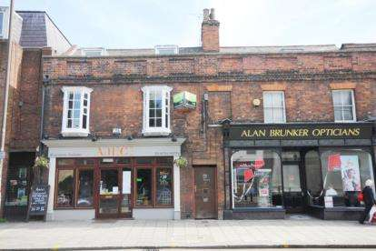 2 Bedrooms Flat for sale in St. Peters Street, Bedford, Bedfordshire