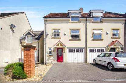 3 Bedrooms Semi Detached House for sale in Dragonfly Close, Kingswood, Bristol, Gloucestershire