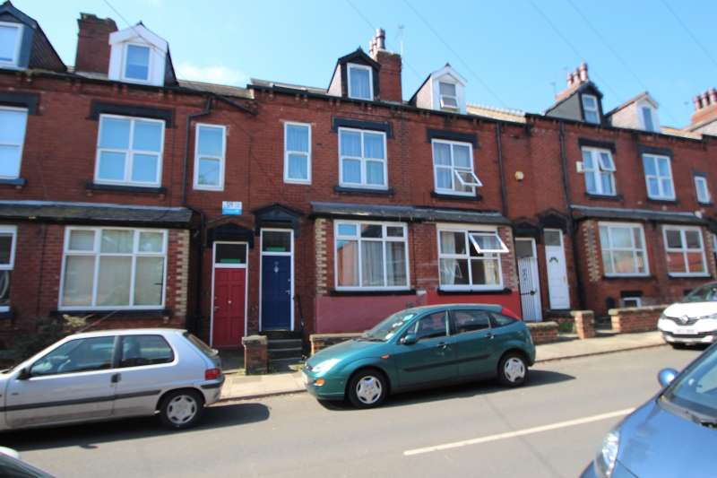 7 Bedrooms Terraced House for rent in Hartley Avenue, Woodhouse, Leeds