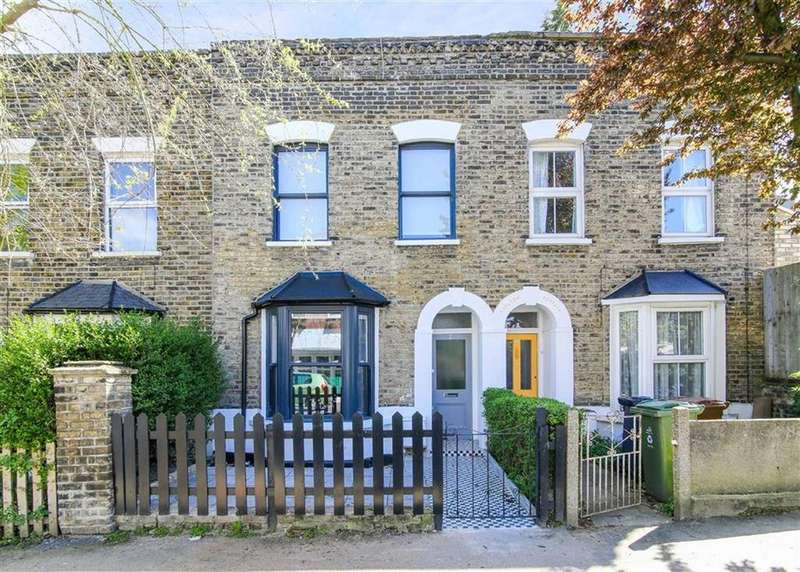 3 Bedrooms House for sale in Esther Road, Leytonstone, London