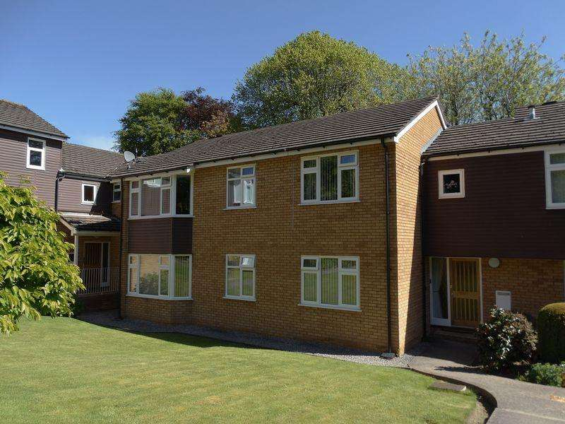 2 Bedrooms Apartment Flat for sale in Ebberston Road West, Colwyn Bay