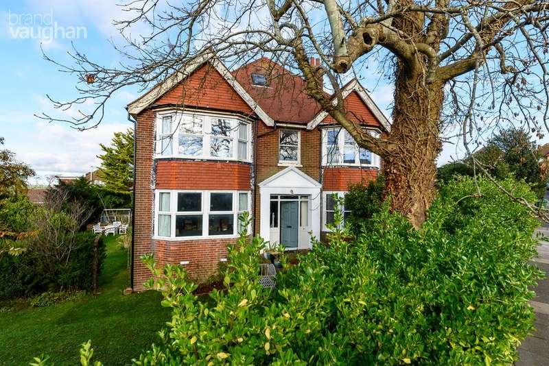 5 Bedrooms Detached House for sale in Beechwood Close, Brighton, BN1