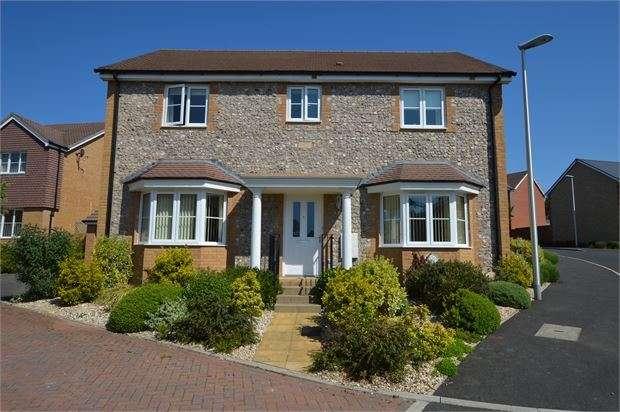 4 Bedrooms Detached House for sale in Sorrel Place, Highweek, Newton Abbot, Devon. TQ12 1SU
