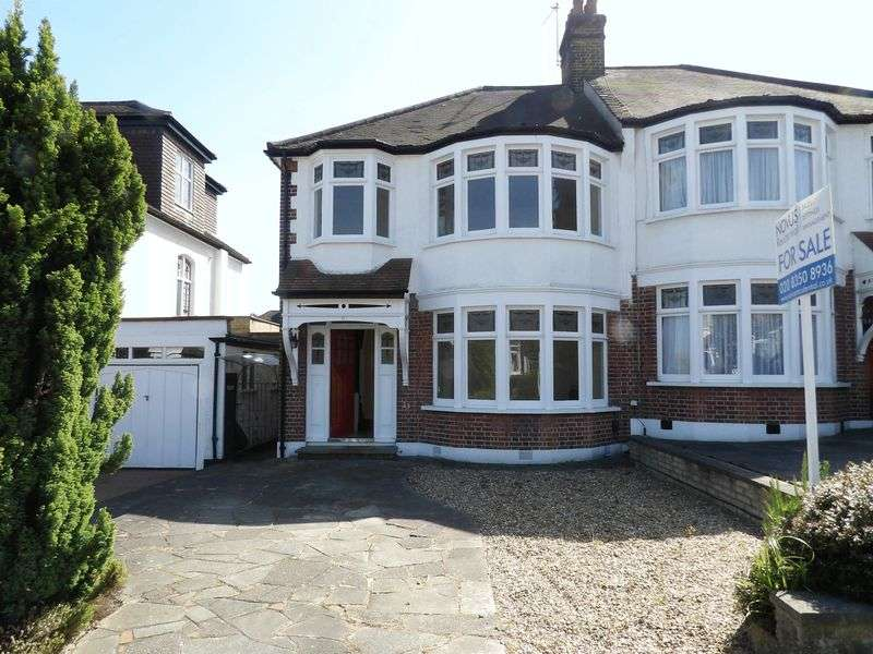3 Bedrooms Property for sale in Beechdale, London