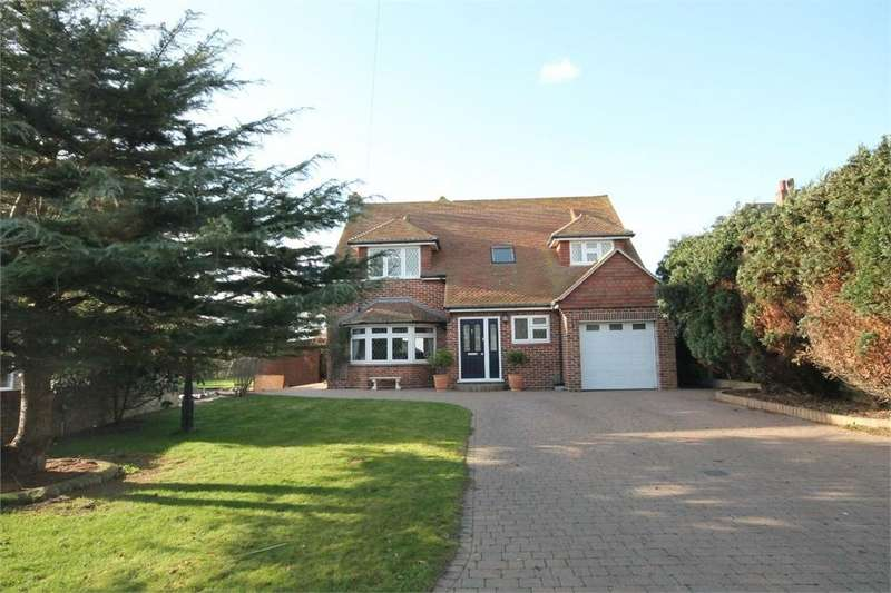 5 Bedrooms Detached House for sale in Old Hall Lane, WALTON ON THE NAZE