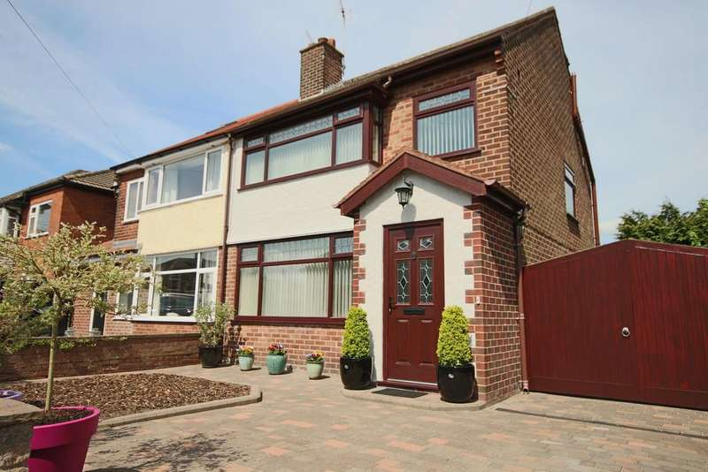 4 Bedrooms Semi Detached House for sale in The Avenue, Penwortham