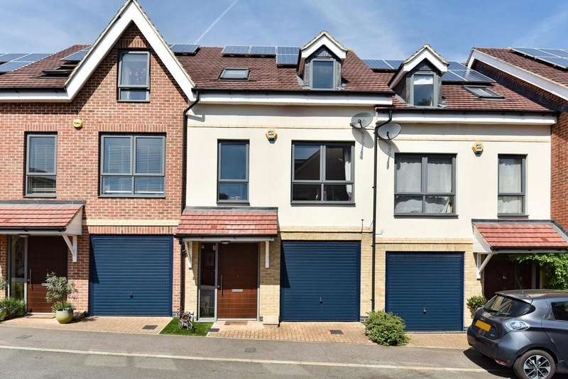 4 Bedrooms Terraced House for sale in Hamlyn Gardens, Crystal Palace