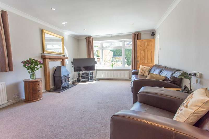4 Bedrooms Detached Bungalow for sale in PRIVATE ROAD. KILN LANE, WOODSIDE, NR ASCOT, BERKSHIRE, SL4 2DU