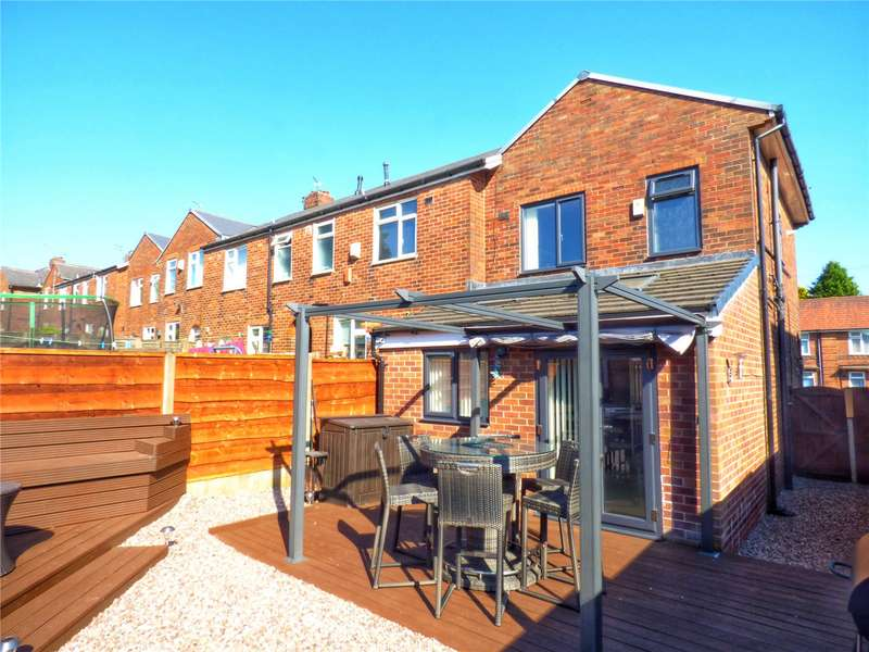 2 Bedrooms End Of Terrace House for sale in Waverley Street, Derker, Oldham, Greater Manchester, OL1