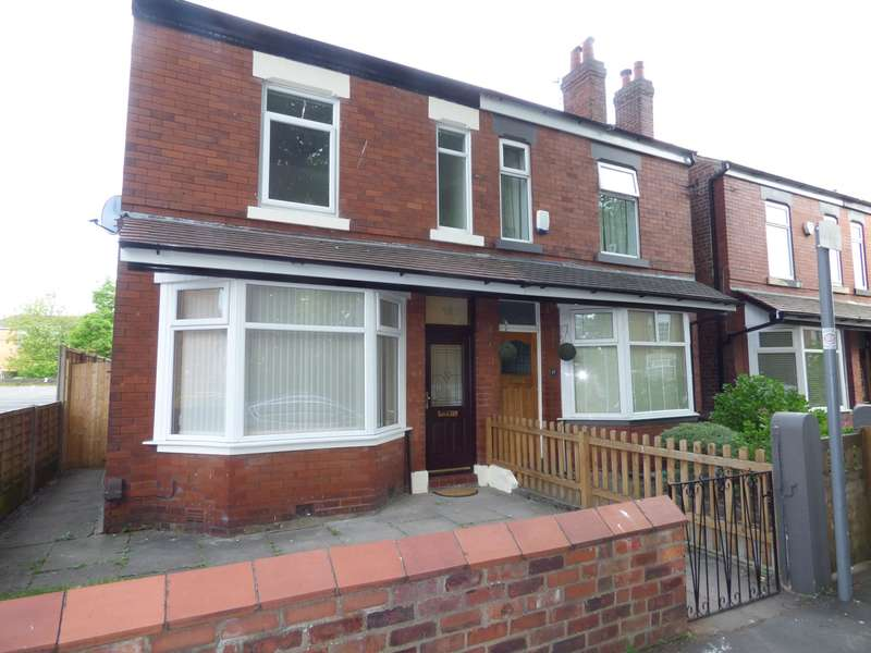 3 Bedrooms Semi Detached House for sale in Queens Road, hazel Grove, Stockport, SK7