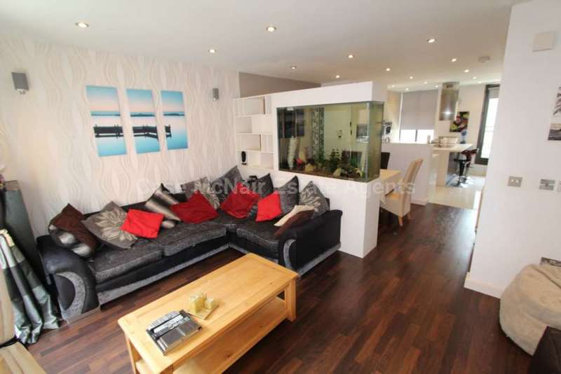 4 Bedrooms Town House for rent in River Street, Manchester, M1 5BG