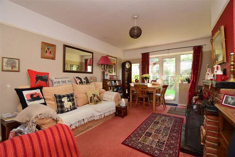 2 Bedrooms Semi Detached Bungalow for sale in Goodwin Avenue, , Whitstable, Kent