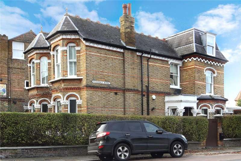 5 Bedrooms Detached House for sale in Fitzgerald Avenue, Barnes, SW14