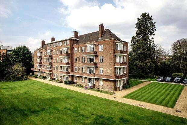 2 Bedrooms Apartment Flat for sale in Manor Court, Pinehurst, Cambridge