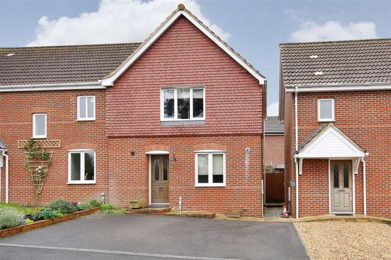 2 Bedrooms Semi Detached House for rent in Cherry Orchard, Whitchurch