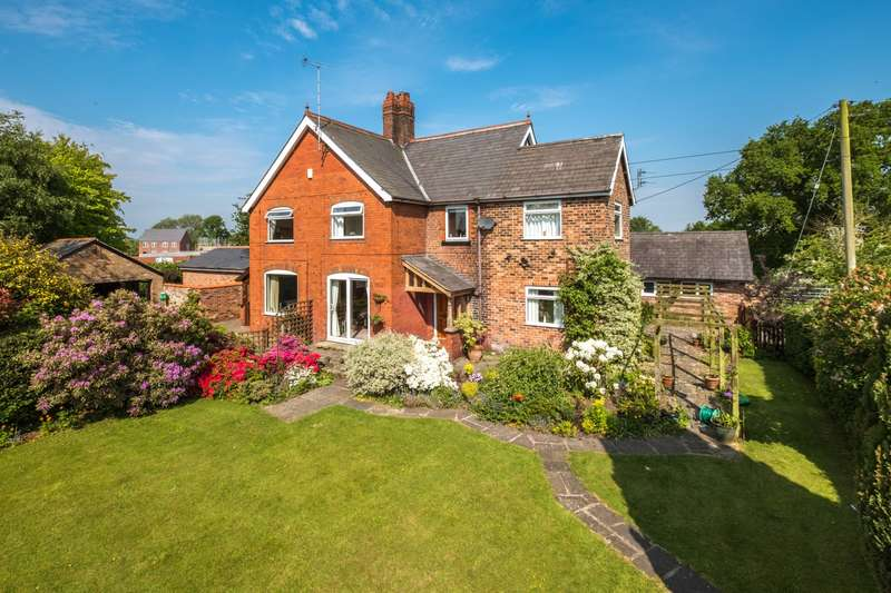 4 Bedrooms House for sale in 4 bedroom House Semi Detached in Moulton