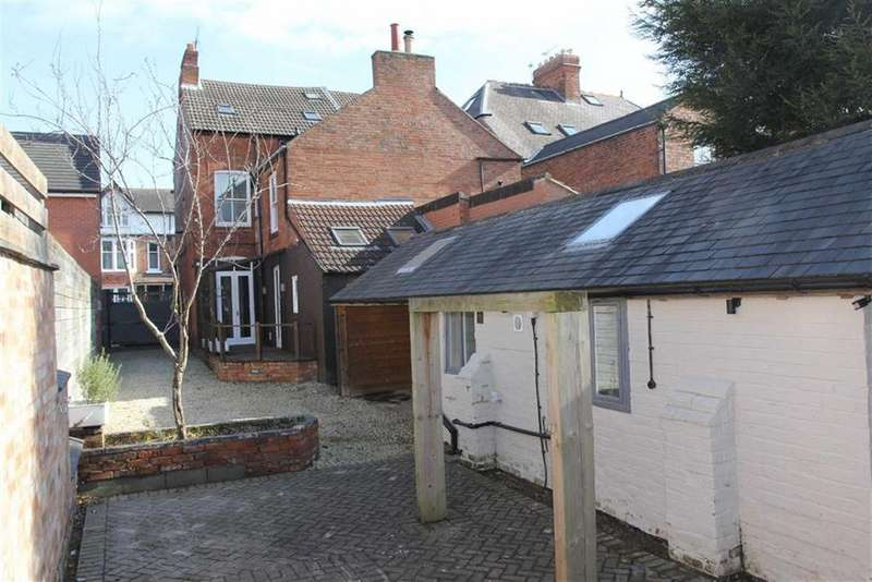 4 Bedrooms Semi Detached House for sale in Portland Road, Clarendon Park, Leicester