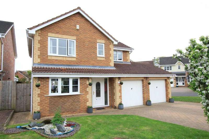 4 Bedrooms Detached House for sale in Windsor Close, Woodham