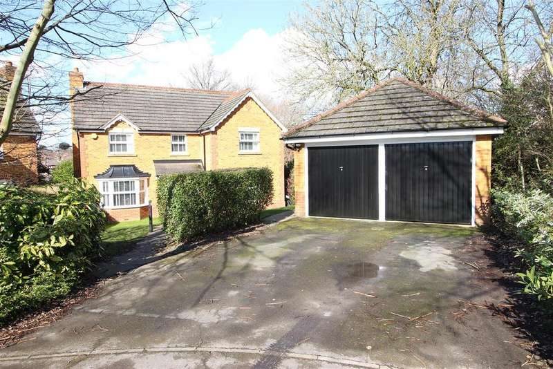 4 Bedrooms Detached House for sale in Clay Close, Tilehurst, Reading