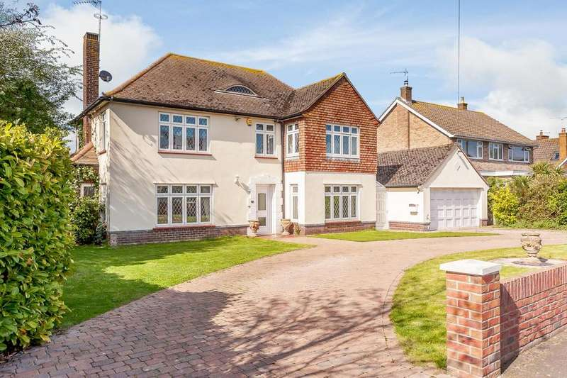 4 Bedrooms Detached House for sale in Ashlyn's Road, Frinton-On-Sea