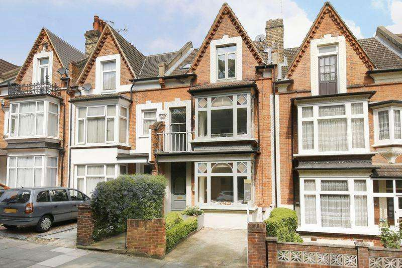 4 Bedrooms Terraced House for sale in Wellington Gardens, Charlton