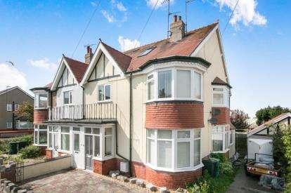 3 Bedrooms Maisonette Flat for sale in Kensington Avenue, Old Colwyn, Colwyn Bay, Conwy, LL29