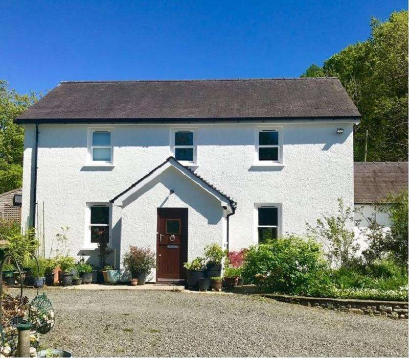 2 Bedrooms Detached House for sale in Cynghordy, Llandovery, Carmarthenshire.