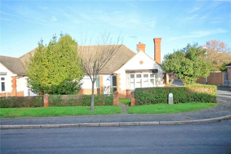 4 Bedrooms Semi Detached Bungalow for sale in Harding Way, Cambridge, CB4