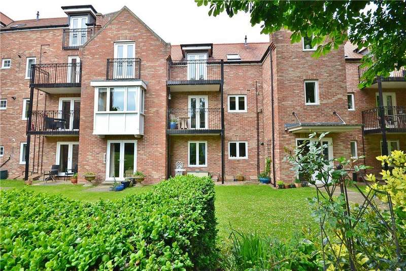 2 Bedrooms Apartment Flat for sale in Christopher House, Blandford Close, Norton, Stockton-On-Tees