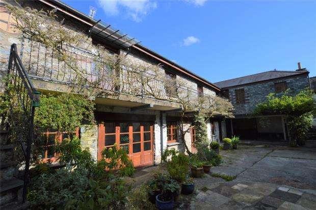 4 Bedrooms House for sale in Fore Street, Buckfastleigh, Devon