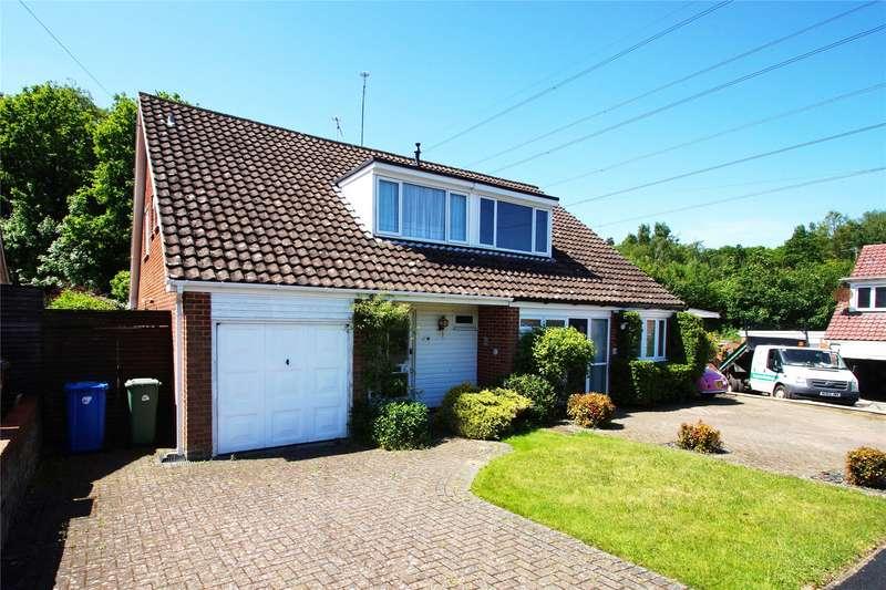 3 Bedrooms Semi Detached House for sale in Cheviot Road, Sandhurst, Berkshire, GU47