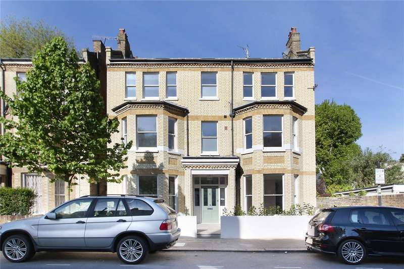 3 Bedrooms Flat for sale in Alderbrook Road, Clapham South, London, SW12