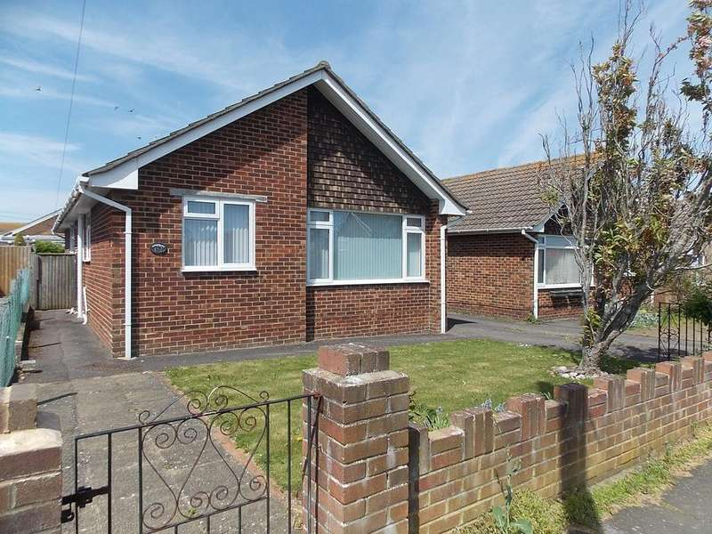 3 Bedrooms Detached Bungalow for sale in Sutton Avenue North, Peacehaven, East Sussex