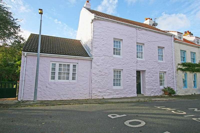 4 Bedrooms House for sale in Hauteville, Alderney GY9