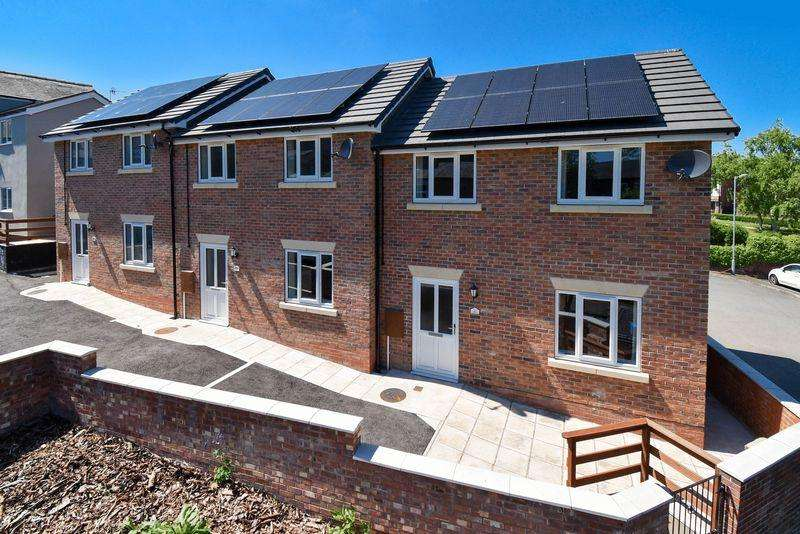 2 Bedrooms Mews House for sale in Tanhouse Yard, Congleton