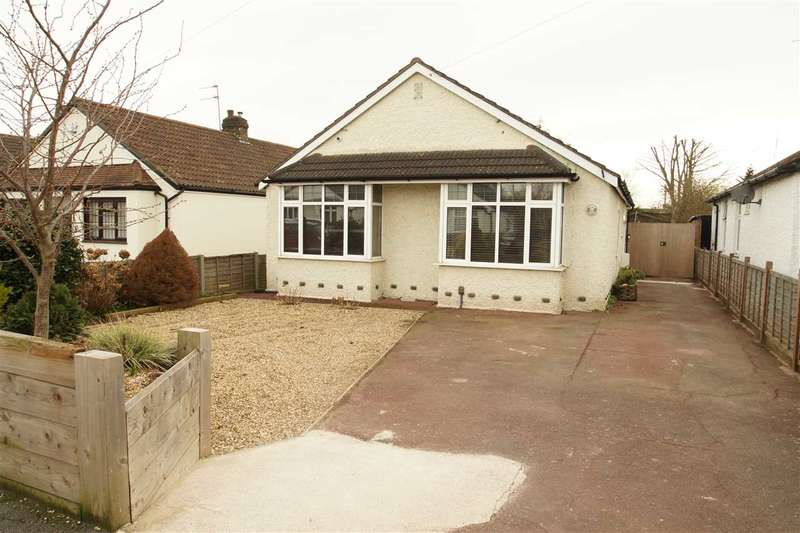 4 Bedrooms Bungalow for sale in Royston Way, Burnham
