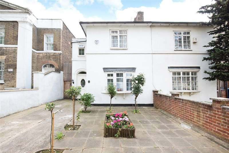 3 Bedrooms Semi Detached House for sale in Commercial Way, Peckham, London, SE15