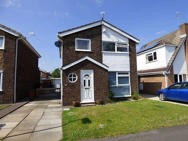 3 Bedrooms Detached House for sale in Jackson Avenue, Culcheth, Warrington